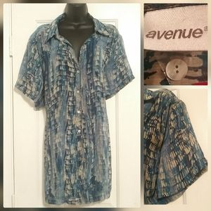 Avenue Women's 30/32 Sheer Button Down Blouse